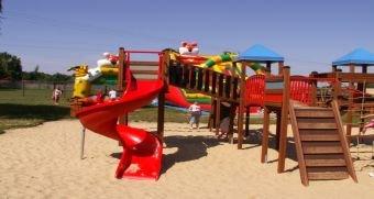 Bezpieczne i atrakcyjne place zabaw