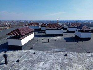 Jak łatwo naprawić dach pokryty papą?
