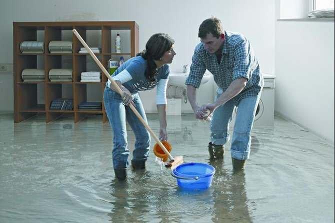Co zrobić po zalaniu mieszkania?
