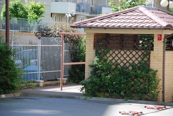 Jak ukryć śmietnik w przestrzeni osiedlowej?