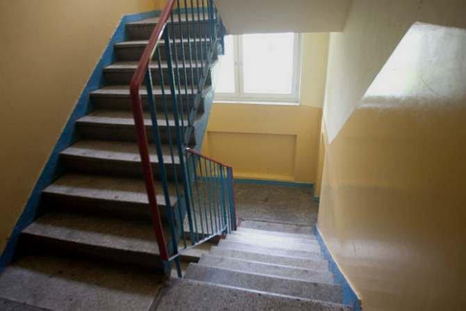 Na klatce schodowej może być ciszej