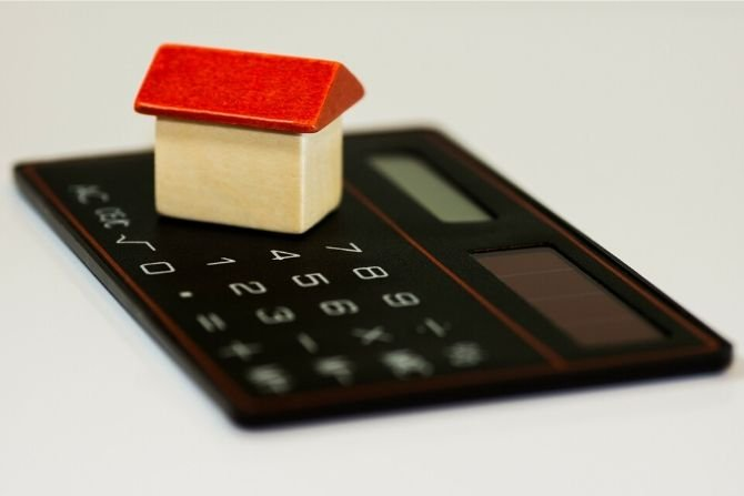 Czy kredyt we frankach może być problemem przy sprzedaży mieszkania?