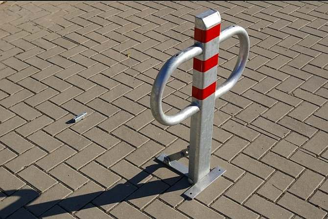Miejsca parkingowe dla lokali usługowych