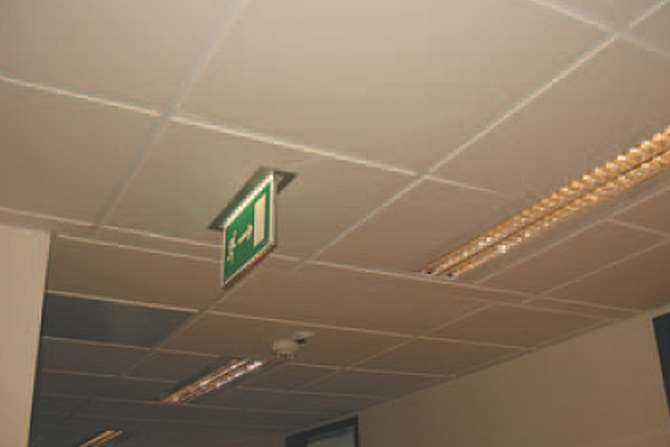 Wymagania w systemach oświetlenia awaryjnego