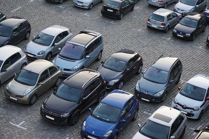 Parkingi w przestrzeni miejskiej