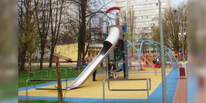 Place zabaw na terenach osiedlowych