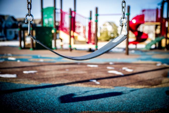 Czy plac zabaw jest standardem na nowych osiedlach?
