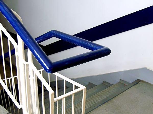 Gładzie gipsowe na klatkach schodowych www.freeimages.com