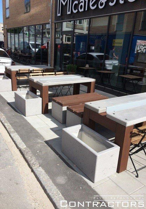 Betonowy stół i ławki z betonu