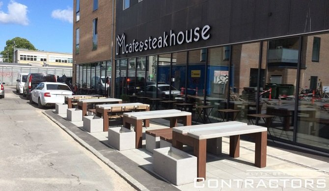 Stół betonowy do ogrodu