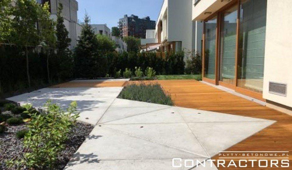 Nowoczesny taras - drewno i beton