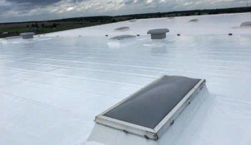 """""""Chłodny dach"""" i renowacja wyeksploatowanych pokryć dachowych w systemie Hyperdesmo AlchiPolska Sp. z o.o."""