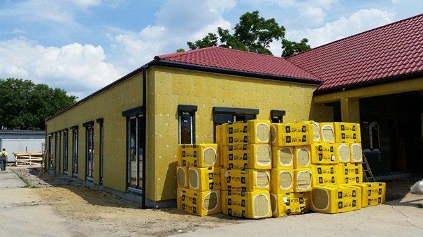 Jakie są korzyści wynikające z zastosowania wełny mineralnej w systemie ETICS? Saint-Gobain Construction Products Polska Sp. z o.o.