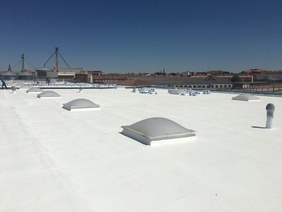 Dach fabryki butów w Hiszpanii