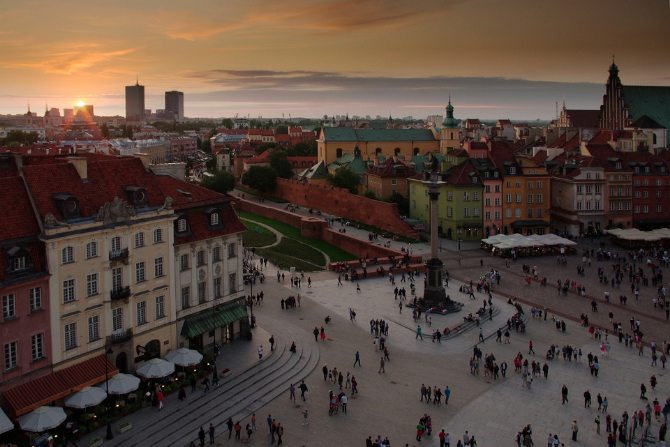 Ruch pieszy na Starym Mieście, Warszawa, fot. pixabay
