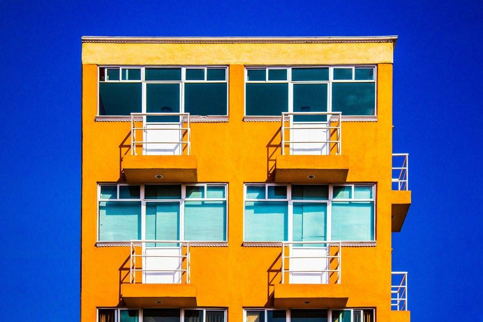 Jeśli choć jeden członek spółdzielni lub wspólnoty mieszkaniowej nie wyrazi zgody na montaż balkonu dostawnego, dobudowanie balkonu będzie niemożliwe, fot. Pixabay
